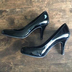 Gianni Bini Patent Leather Round Toe Pumps