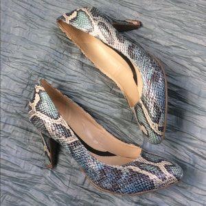 Naturalizer heels blue snakeskin great condition
