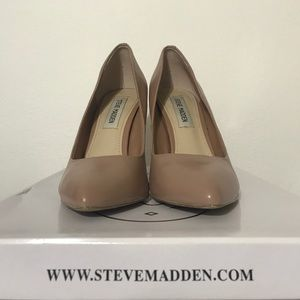 Steve Madden Nude Point Toe Pumps