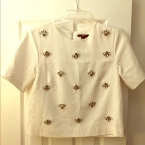 Cropped White studded hm shirt so 4