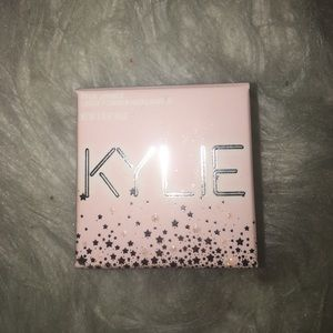 Kylie cosmetics loose highlighter
