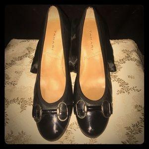 "TAHARI ""MISTY"" Leather Black Pumps Sz 7M ~EUC~"