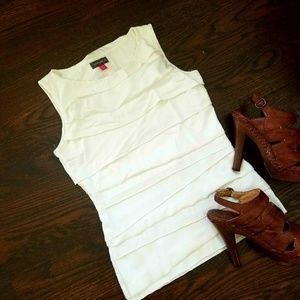 VINCE CAMUTO White Tiered Top