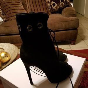 Steve Madden Brand-new Peep Toe Black size 7.5