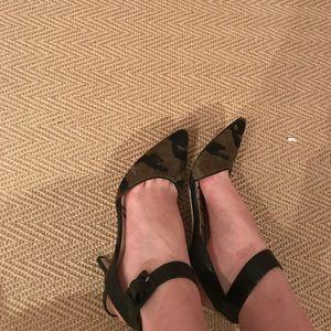 Sam Edelman black and camouflage fur heels