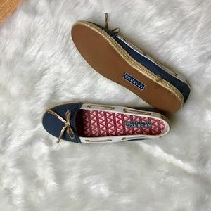 SPERRY Navy Blue Loafer Flats with Bow - Size 6.5