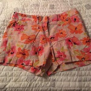 Ann Taylor LOFT flower print shorts, size 2P.