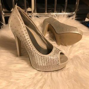 Madden girl High Heels 👠 size 7 wedding shoes