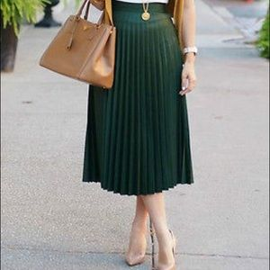 Zara green accordian skirt NWT