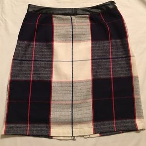 Plaid pencil Skirt.