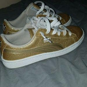 gold pumas