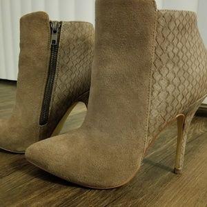 Steve Madden Damali Heeled Ankle Boots
