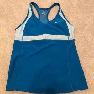 Nike fitted dry fit tank top