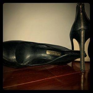 BCBG Womens heels
