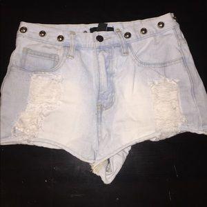 High Waisted, studded, light wash jean shorts