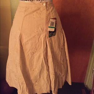 Fang cream midi embroidered skirt nwt