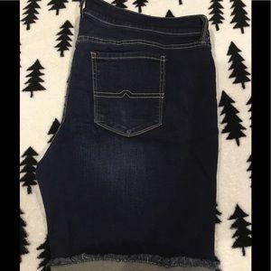 Plus sized Bermuda Shorts