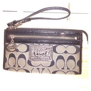 Coach Poppy wallet wristlet