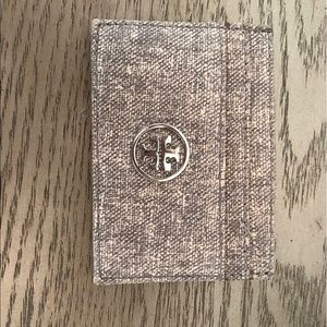 Tory burch card holder wallet in grey/silver