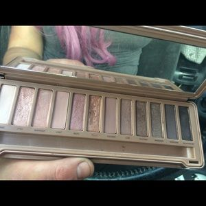 3 free gifts with Naked 3 Palette by Urban Decay