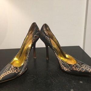 Guess stylish heels