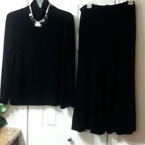 Jones New York Signature Top & Skirt