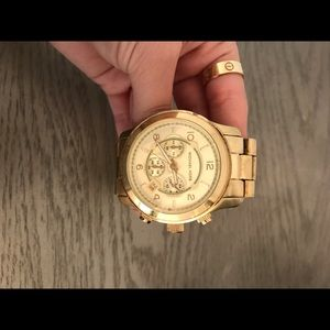 Michael kors watch in gold