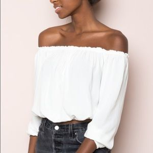 Brandy Melville Maura white top