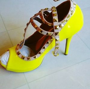 Shoes - Studded womens shoes