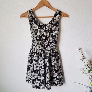 Forever 21 Floral Print Black/Ivory Dress Sz M