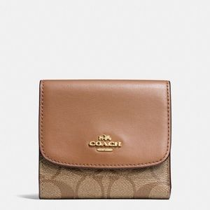 💖Brand New💖 Coach small wallet in signature