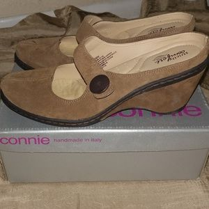Strictly Comfort Tan Shoe