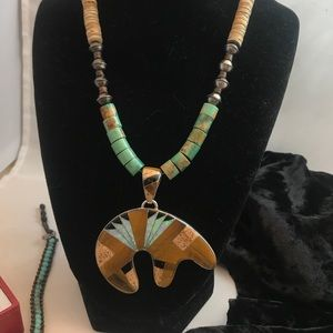 vintage SS// turquoise necklace w/bear Inlay