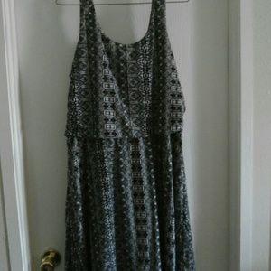 Black & White Aztec print Midi Dress (plus)