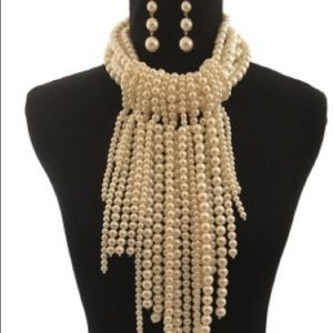 Cream Pearl Layered Drop Necklace Set