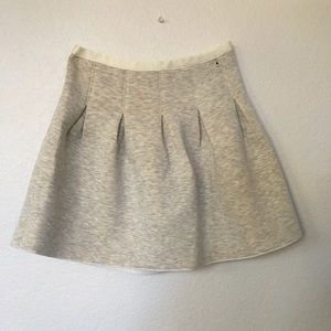 Fluffy/foam skirt.