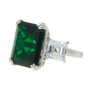 Savvy Cie emerald 925 ring