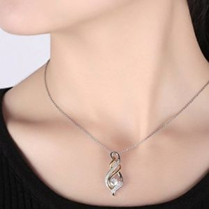 Twist Pendant Necklace for Women