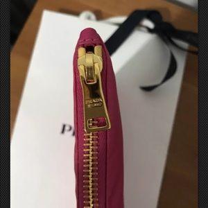 85b43cab6b318c Prada Bags | Wristlet Contenitore Maniglia Tessuto Fuxia | Poshmark