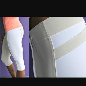 Lulu lemon size 6 crop pants