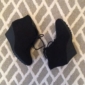 Black Booties by White Mountain Size 8