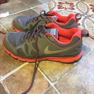 Women's Nike Flex Trail Size 8
