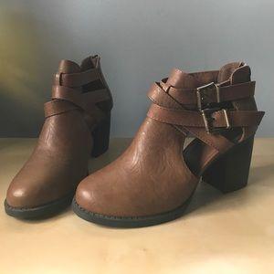 Women's 8 Soda Brown Open Booties Short Boots