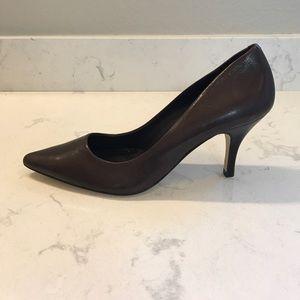 Steve Madden BRAND NEW Brown Leather Heels