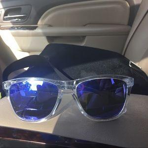 Oakley frog tog glasses