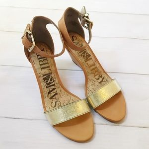 🆕 Gold and Cognac Mini Wedge Sandals