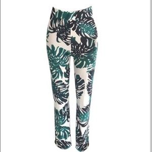 Pants - Highwaisted printed wide leg pant