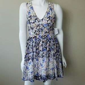 Everleigh Dresses - 🔆 NWT Everleigh Floral Dress