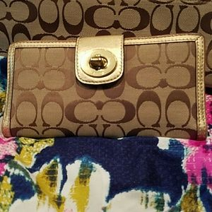 Coach wallet excellent used condition