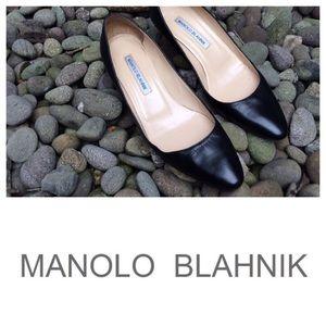 Manolo Blahnik Black Kitten Heel Pumps Sz7